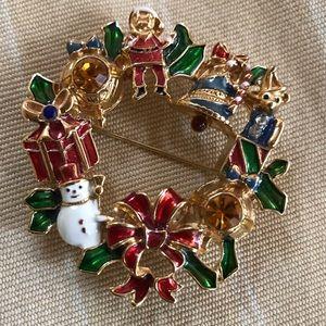 Avon Christmas Wreath Pin Brooch Pendant